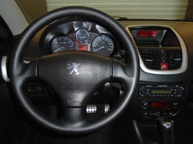 PEUGEOT 207 HATCH XS 1.6 16V FLEX AUTOMÁTICO - Foto 17