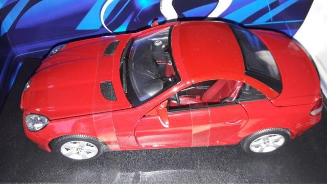 Maisto - Mercedes Benz SLK 230 - Escala 1:18 - Metal Collection Colecionadores - Foto 3