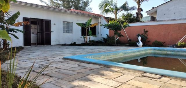 Belíssima residencia na praia de Santa Terezinha - Foto 3
