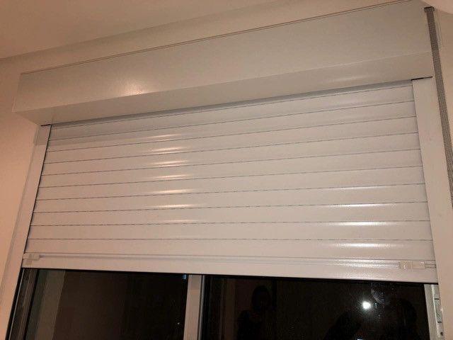 Persianas de alumínio para janelas.Rodapés e Porta interna brancaNovas na embalagem