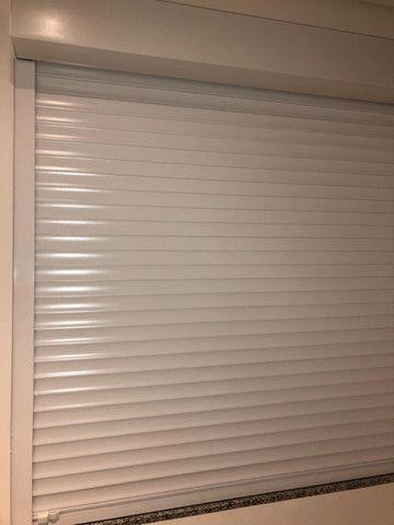 Persianas de alumínio para janelas.Rodapés e Porta interna brancaNovas na embalagem - Foto 2