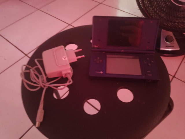 Nintendo DSi Azul Metálico + Carregador Original - Foto 2
