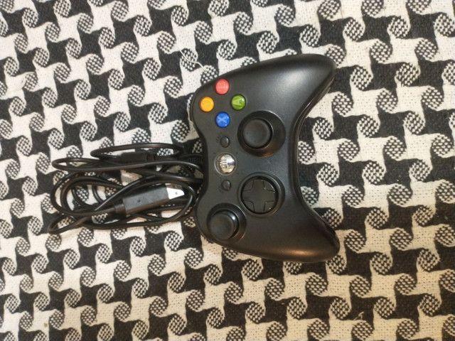 CONTROLE COM FIO PARA XBOX 360 E PARA PC