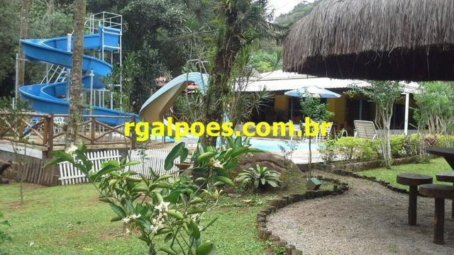 G 1423, Sítio de 2.000m² com piscina, churrasqueira próximo a Rio-Petrópolis - Foto 16