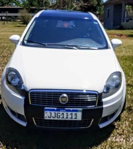 Fiat Linea Essence 2012 abaixo da FIPE