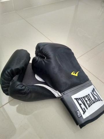 e452da256 Kit Luva de Boxe Everlast Training 12Oz + Bandagem - Preto ...