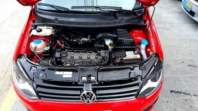 Vw fox GII highline motor 1.6 8v flex 4p vermelho 2014 raridade top - Foto 5