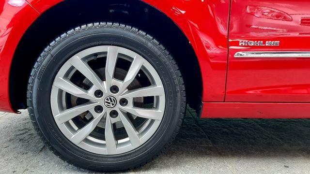 Vw fox GII highline motor 1.6 8v flex 4p vermelho 2014 raridade top - Foto 7