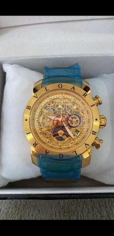 Relógio BVLGARI Skeleton Dourado a prova d'água