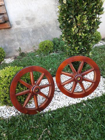 Lustres roda de carroça réplica  - Foto 3
