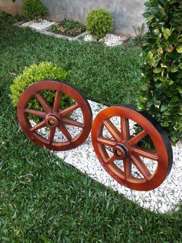 Lustres roda de carroça réplica  - Foto 2