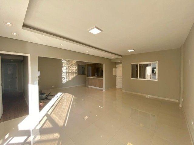 Apartamento impecável reformado com 3 dormitórios e 125m2 privativos, Rua Goiás próximo a  - Foto 9