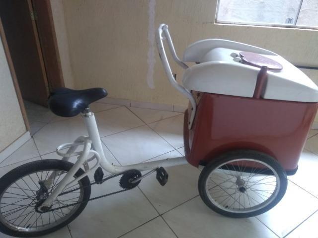 Triciclo sorvete e picole