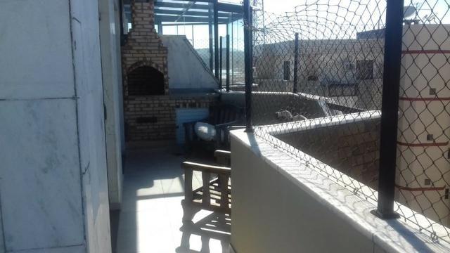 Cabo Frio, imperdível cobertura reformada, passagem, 4 dormitorios, so entrar - Foto 2