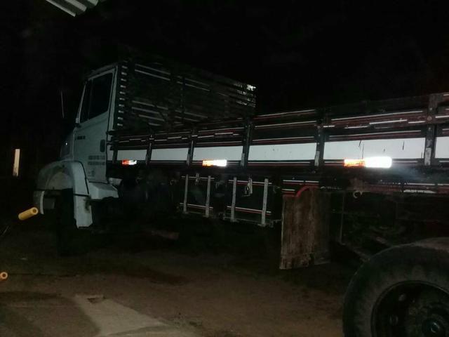 Caminhão Toco de carroceria - Foto 3
