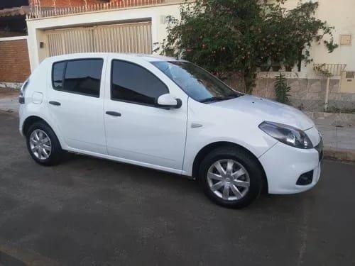 Renault Sandero *parcelo/financio - Foto 2