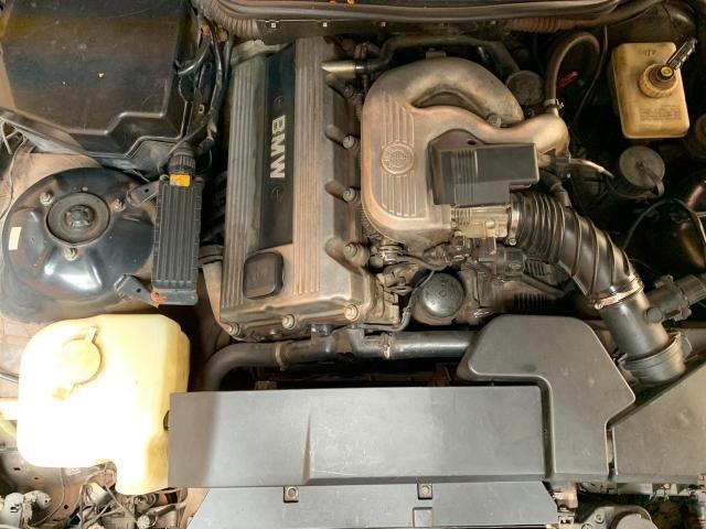 BMW 318Ti Hatch - Foto 3