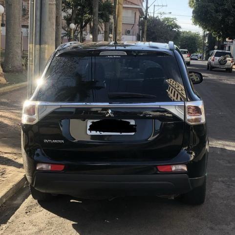 32.400,00 Mitsubishi Outlander 2.0 Automática Preta - Foto 3