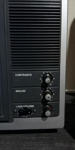 Tv phico anos 80 funcionando preto e branco - Foto 5
