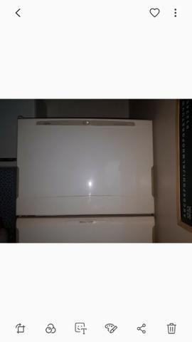 Vendo/Troco geladeira Brastemp frostfree - Foto 2