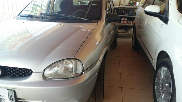 CORSA CLÁSSIC 2000 1.0 COMPLETO