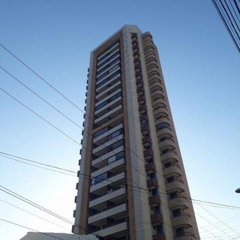 Apartamento Luxuoso 128m² com 3 suítes/3 vagas Meireles