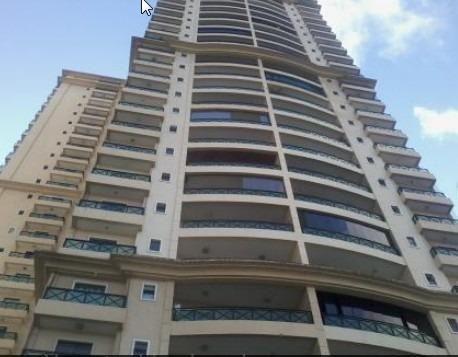 Vendo apartamento no Golden Green com 123m², 3 suítes andar alto em Candelária