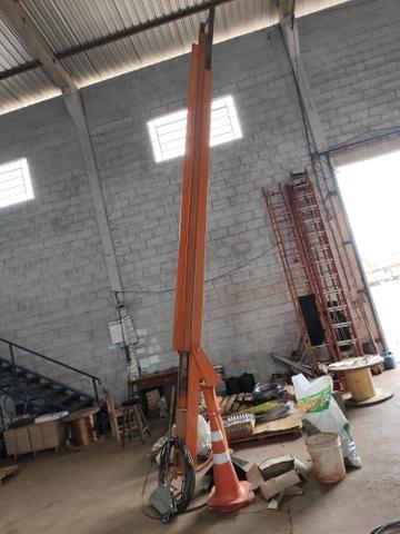 Escada giratória patrão Copel com 9.60 de alturas - Foto 3