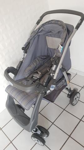 Carro de bebê semi novo