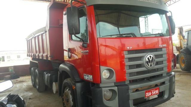 Caminhão basculante 2013