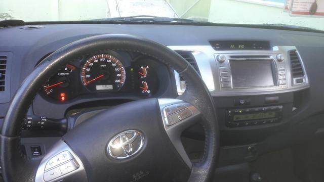 Toyota Hilux SRV 4x4 automatica 2015 - Foto 10
