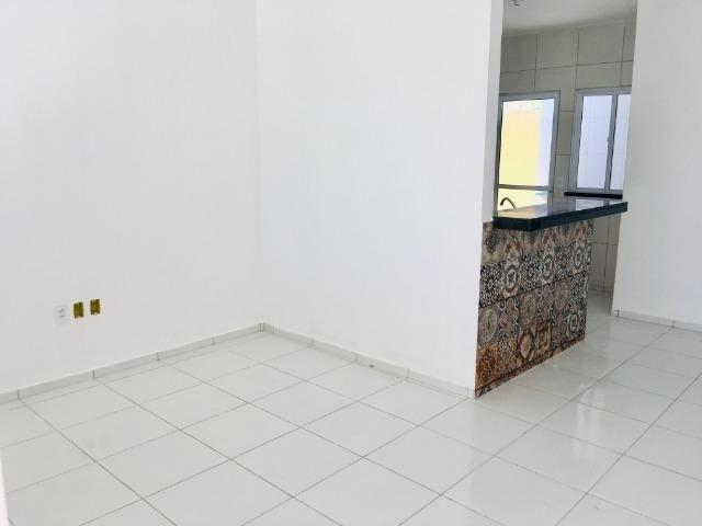 Linda casa com documentação gratis : 2 quartos , 2 banheiros , 2 vagas de garagem - Foto 5
