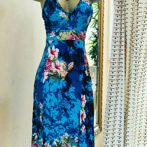 Desapegos da Mel :Vestidos e Bermuda - Foto 2