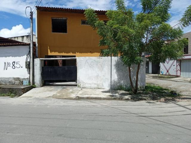Alugo casa 04 quartos na Maraponga - Foto 7