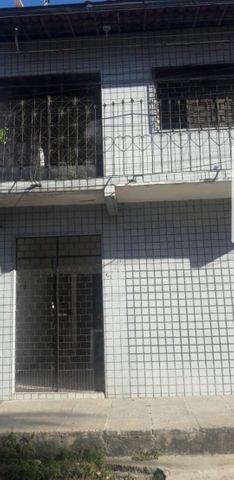 Casa duplex próximo ao Extra e shopping Jóquei