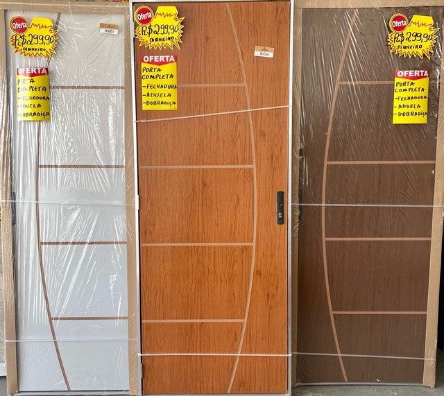 Porta de Madeira Completa - Super Oportunidade!!!