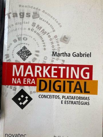 Livro Marketing na era Digital - Martha Gabriel