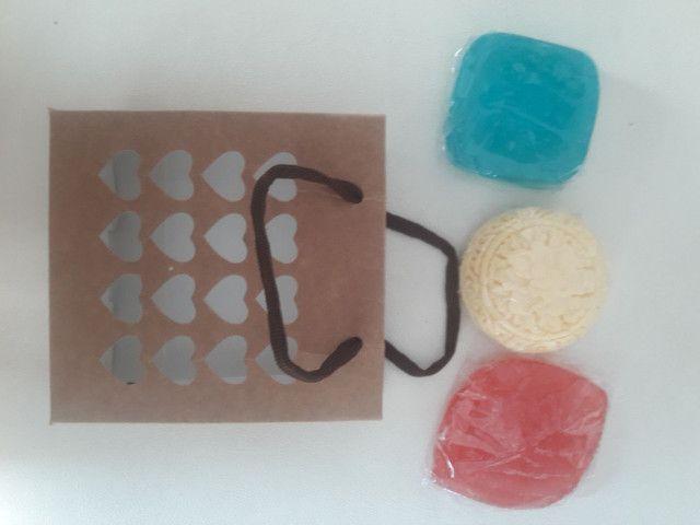 Kit com 3 sabonetes artesanal  varias fragrâncias  - Foto 3