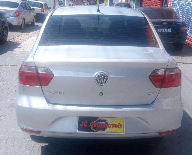 VW/ Voyage 1.6 MSI ? Completo ? Baixo KM ? 2018  - Foto 7