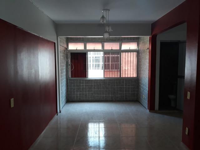 Apartamento para aluguel com 81 metros quadrados e 2 quartos em Carlito Pamplona - Fortale - Foto 4