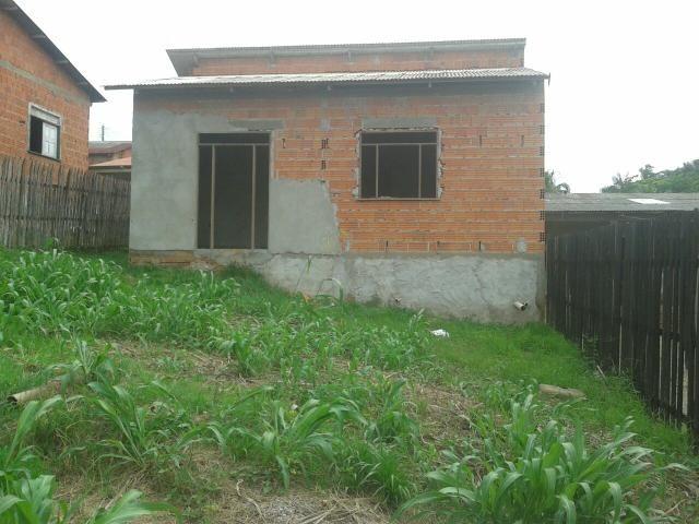 Casa 6x8 com 2 quarto