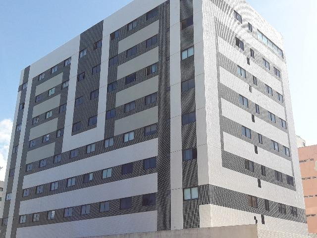 Quarto e Sala Beira Mar por 185 Mil, em Cruz Das Almas. Apto novo com área de lazer.