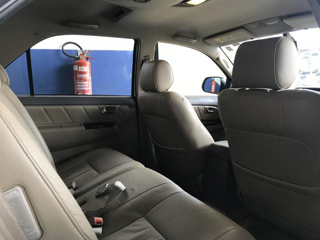 Toyota Hilux SW4 SRV - Foto 9