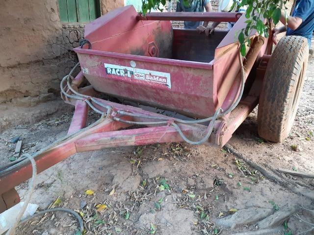 Vende-se madal raspadeira baldan uma plantadeira jumil 3 linhas e uma siladeira - Foto 6