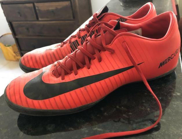 Chuteira Society Nike Mercurial Victory Vermelho e Preto