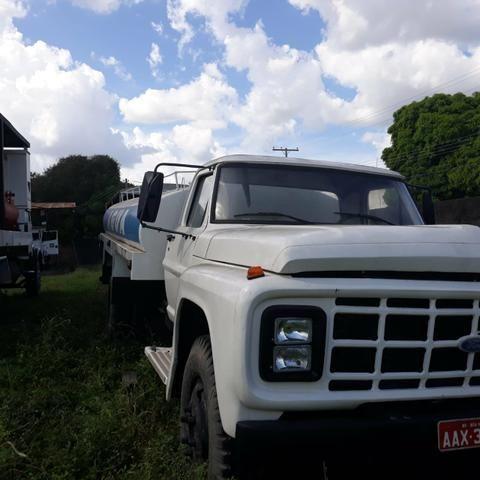 Caminhão Ford 11000