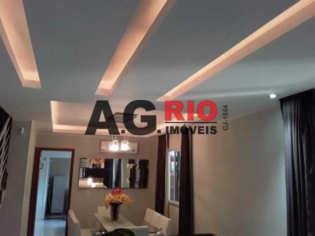 Casa de condomínio à venda com 3 dormitórios cod:FRCN30031
