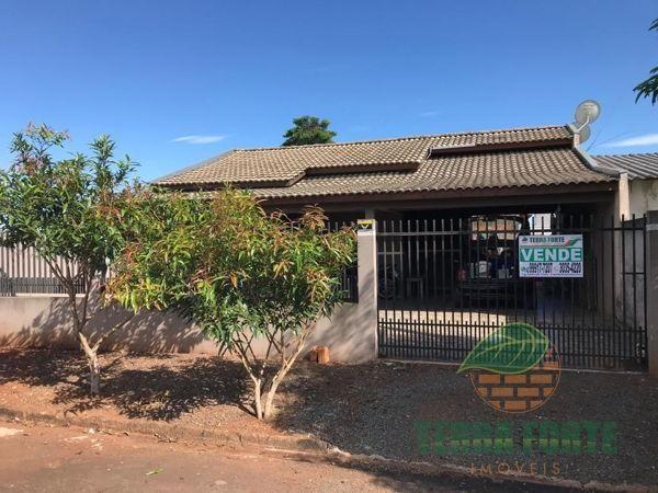 Casa com 2 quartos - Bairro Jardim Planalto em Arapongas
