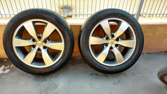 Rodas com pneus aro 20 Hilux - Foto 3