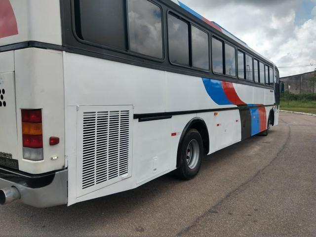 Ônibus rodoviário com ar condicionado